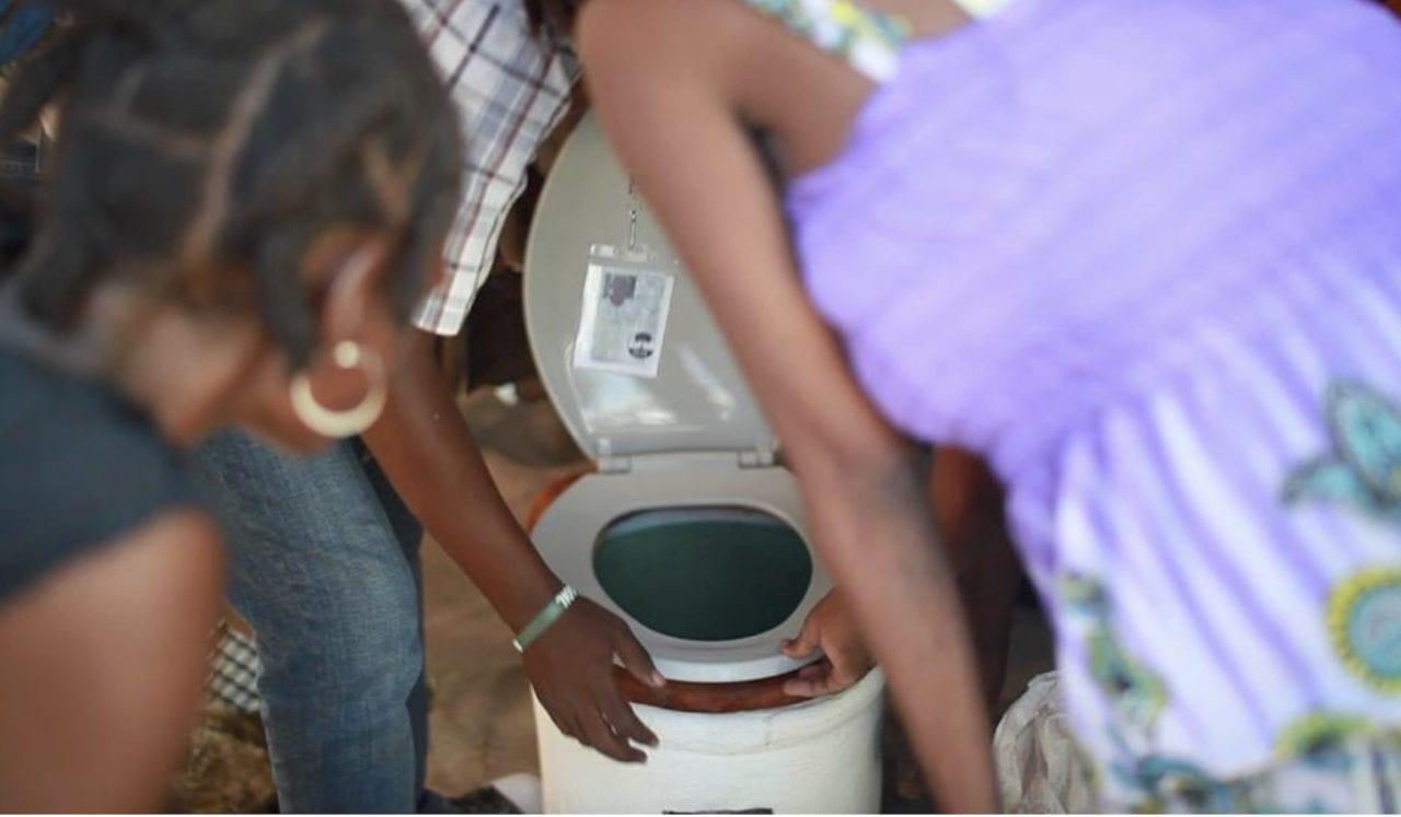 EkoLakay Toilet